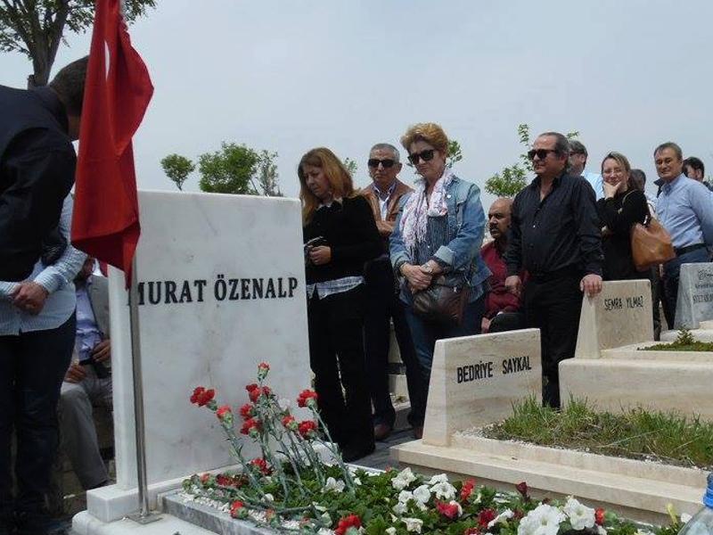 Murat Özenalp 1 Mayıs 2017 saat 12.00'da kabrinin başında anılmıştır