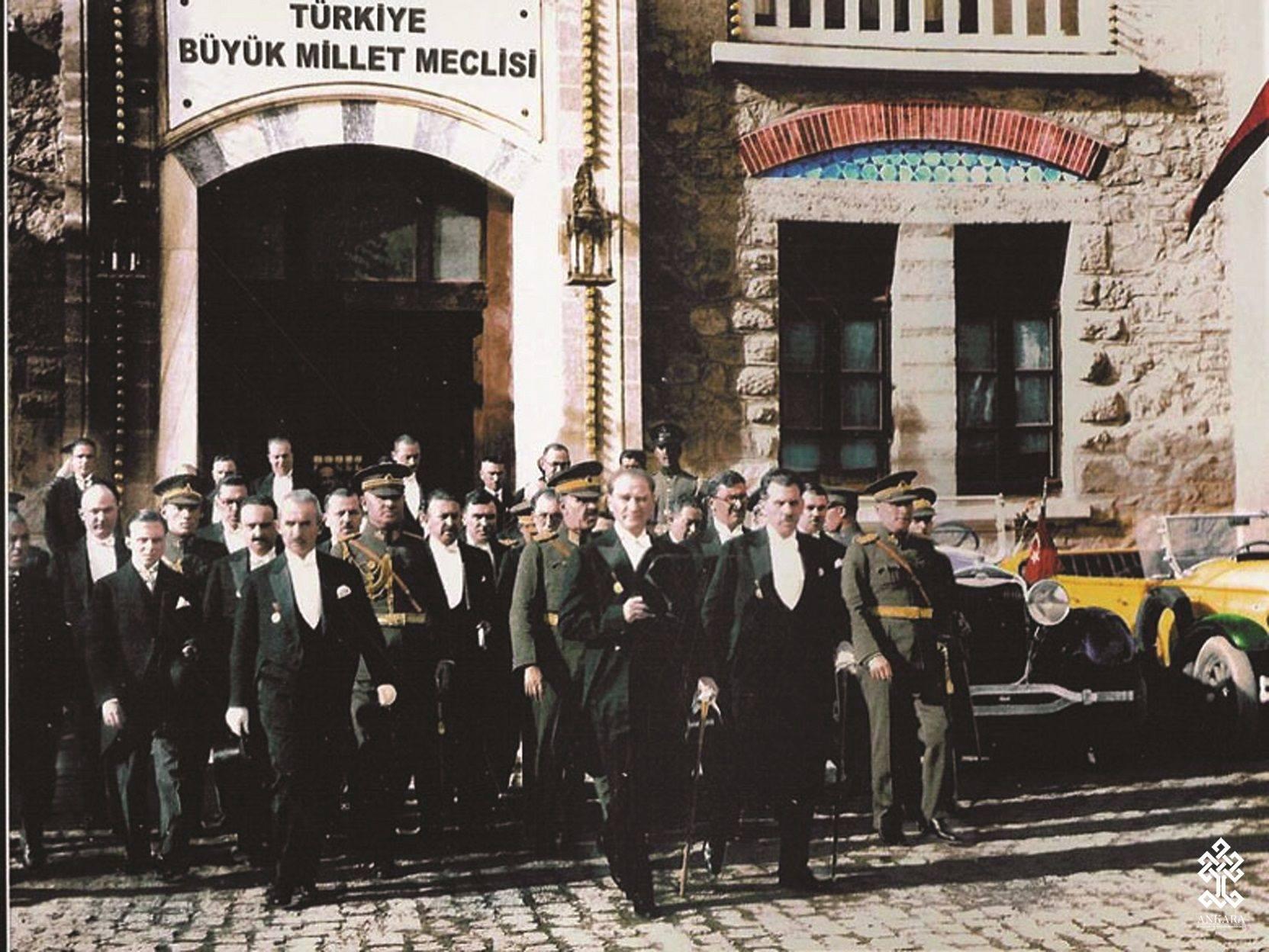 Ankara'nın Başkent oluşunun 94. yıldönümünü büyük bir mutlulukla kutluyoruz.