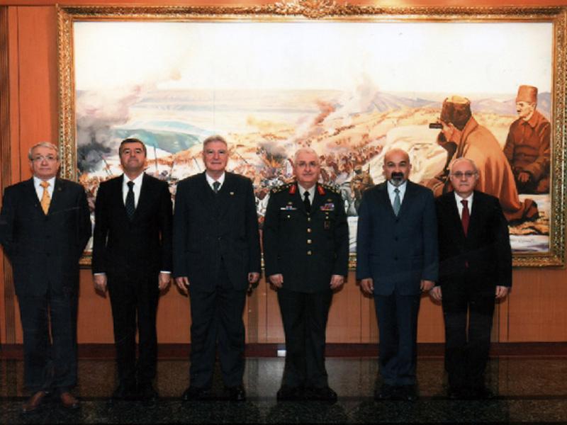 TESUD Yönetim Kurulu Üyeleri Kara Kuvvetleri Komutanını Ziyaret Etmişlerdir.
