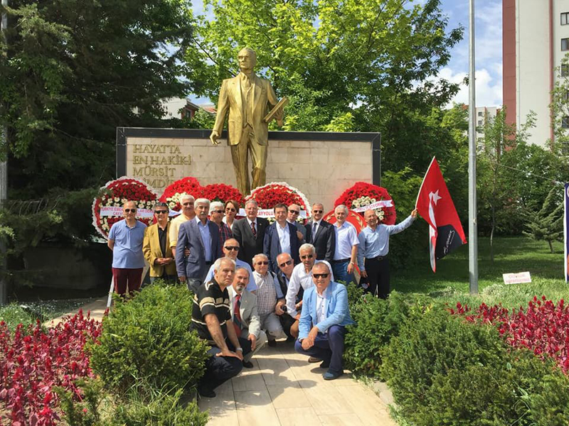 19 Mayıs ATATÜRK'ü Anma, Gençlik ve Spor Bayramı Ankara'da Çayyolu Atapark'ta kutlanmıştır.