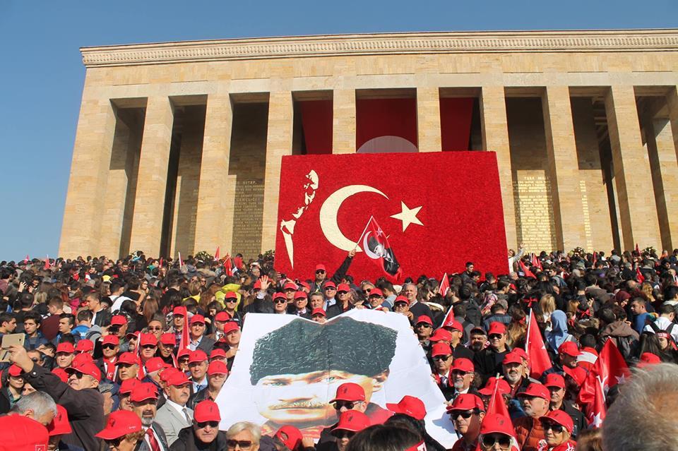 10 Kasım'da Atatürk'ü anmak, devrimlerine sahip çıkmak  için tüm il ve ilçelerde çeşitli etkinlikler yapılması planlanmıştır.