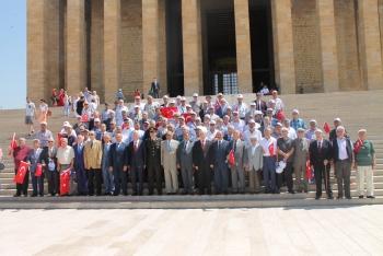 30 Haziran Emekliler Günü Anıtkabir'de Düzenlenen Törenle Kutlanmıştır.