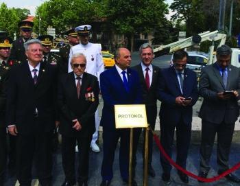Kıbrıs Barış Harekatının 43.Yılı Ulus Atatürk Heykeli Önünde Kutlandı.
