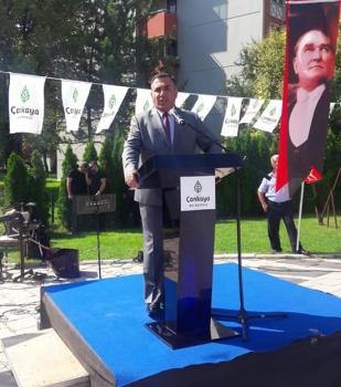 30 Ağustos Zafer Bayramı kutlamalarında Emin Hasanlı bir konuşma yapmıştır.